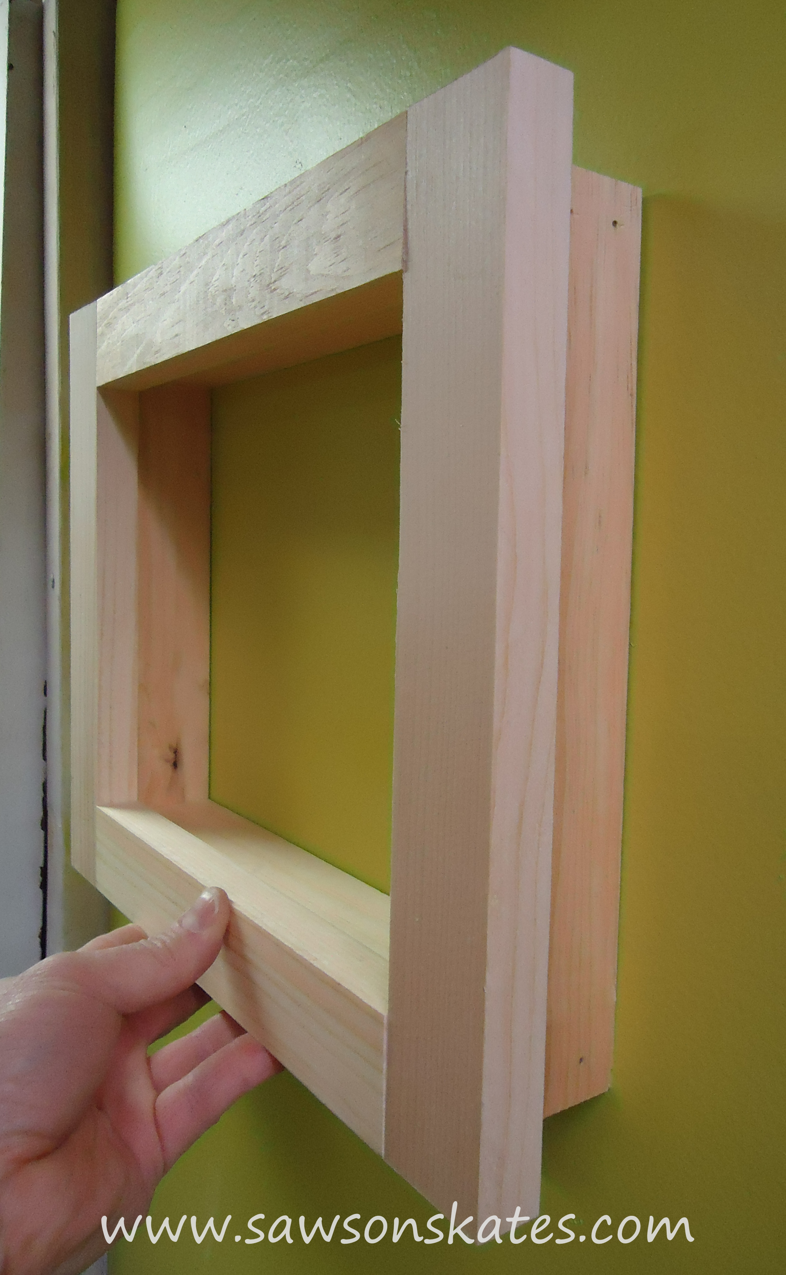 how to make a no miter cut picture frame free plans saws on skates. Black Bedroom Furniture Sets. Home Design Ideas